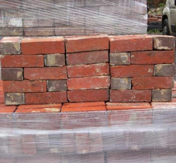 hand-made-ashburnham-bricks