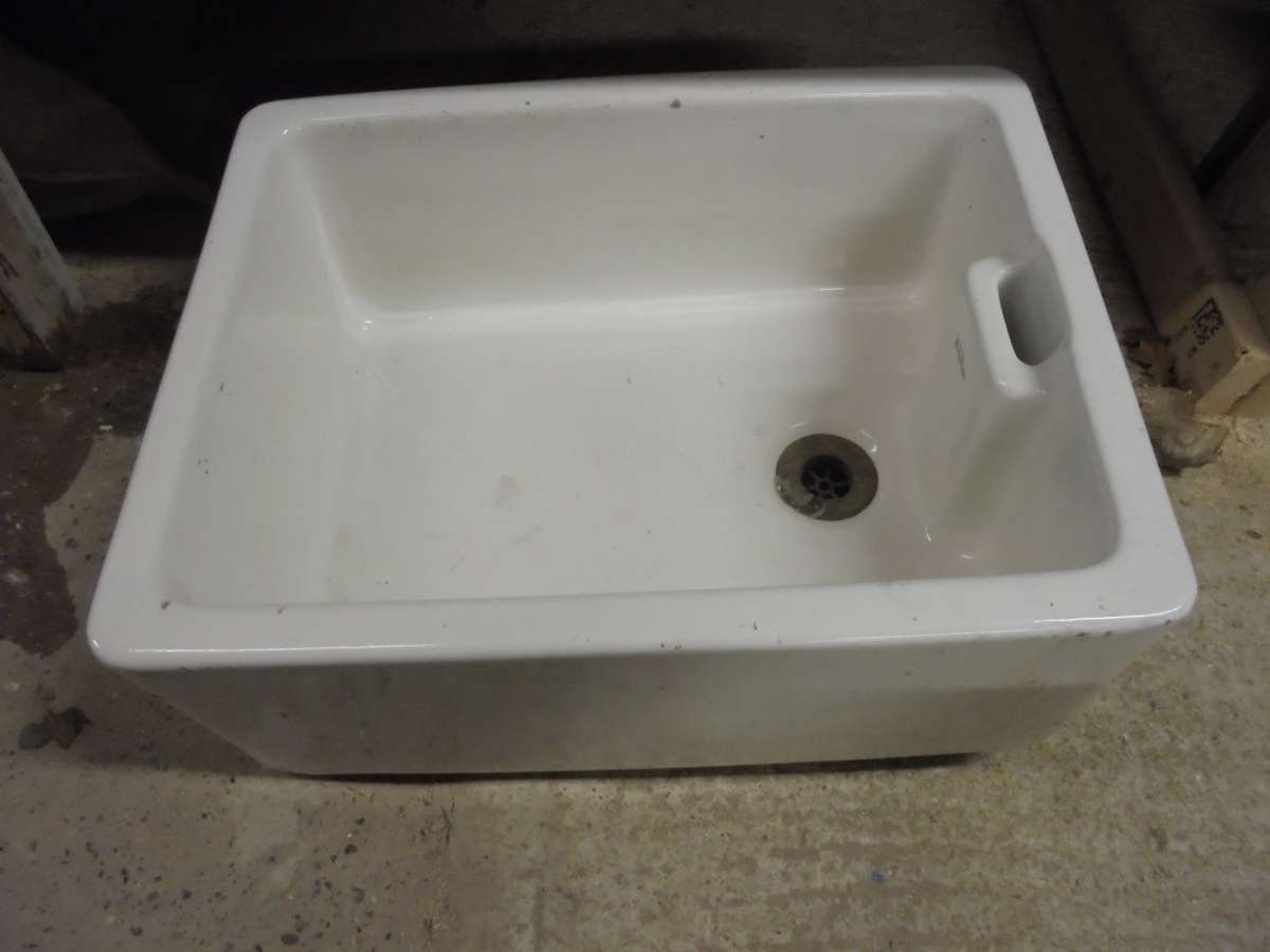 A Reclaimed 39 Royal Doulton 39 Butler Sink Authentic