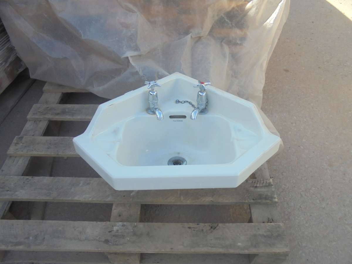 Reclaimed 39 twyford 39 bathroom sink authentic reclamation for Recycled bathroom sinks