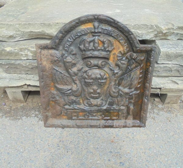 small cast iron fire back