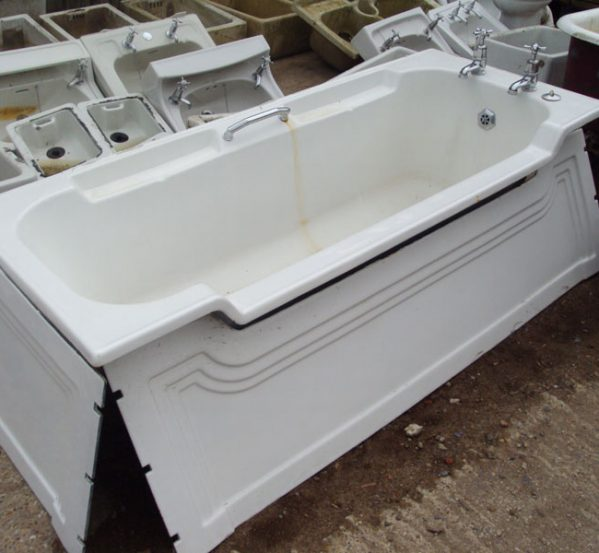 Original Art Deco Bath