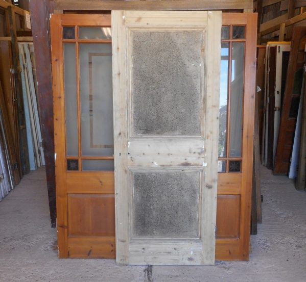 Reclaimed 2 panelled door (1 over 1)