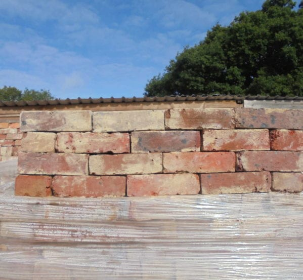 RECLAIMED RED MULTI STOCK BRICKS