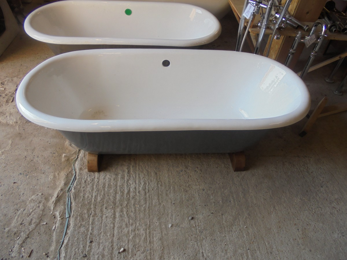 A reclaimed double ended roll top bath - Authentic Reclamation