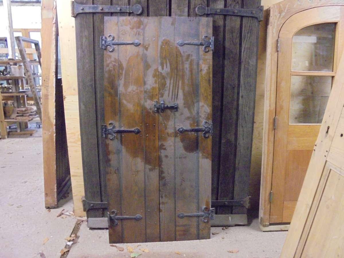 Ledge and brace oak doors - A Pair Of Oak Ledge Brace Doors