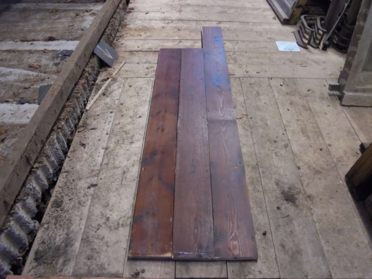 reclaimed varnished pine boards