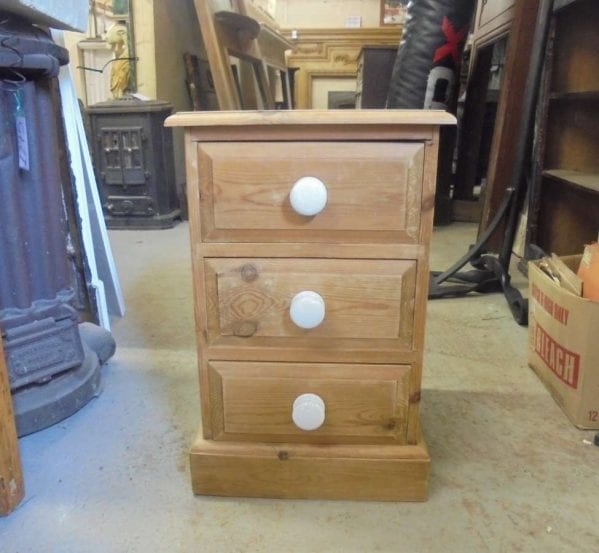 Pine Bedside Chest 3 Drawers