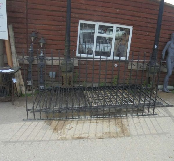 Reclaimed Iron Railings- Set