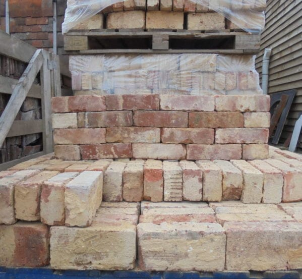 Reclaimed Wire-cut red bricks