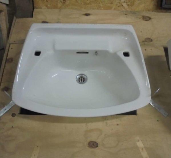 no tap bathroom sink