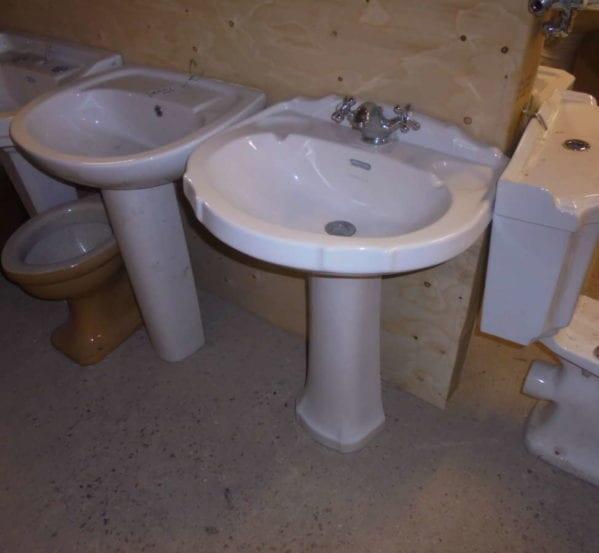 pedestal sink & pedestal