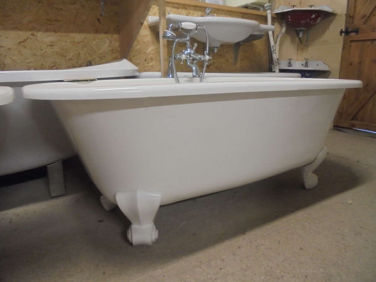 Modern Double Ended Roll Top Bath With Taps Authentic