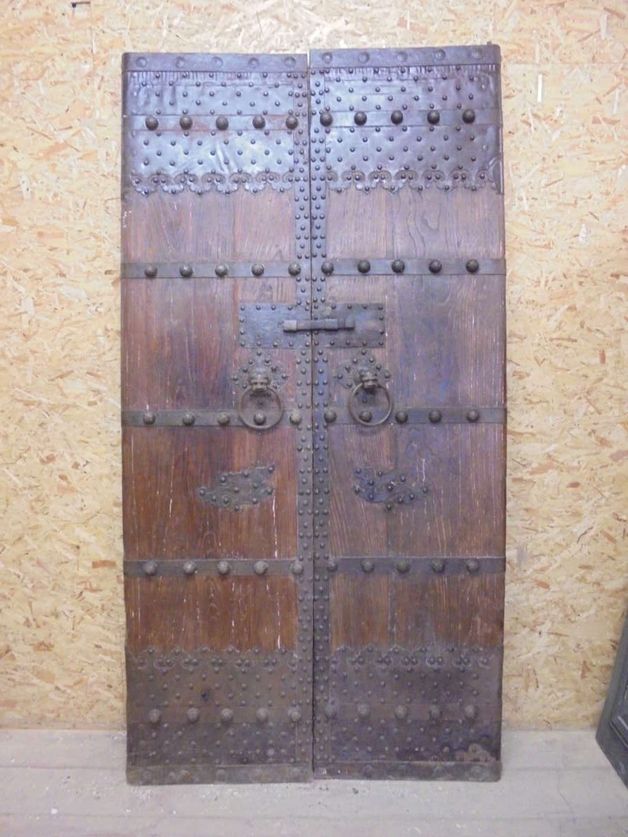 Beautiful Ancient Chinese Double Doors Authentic Reclamation