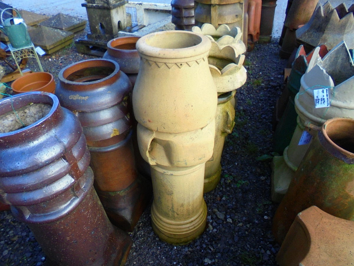 Decorative Buff Chimney Pot