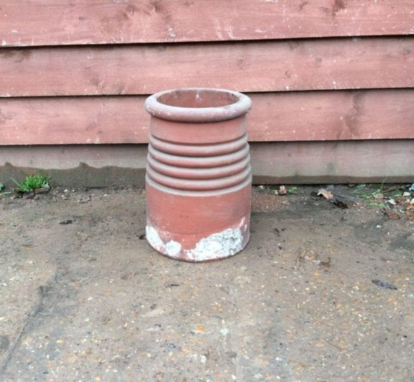 Round Ribbed Chimney Pot