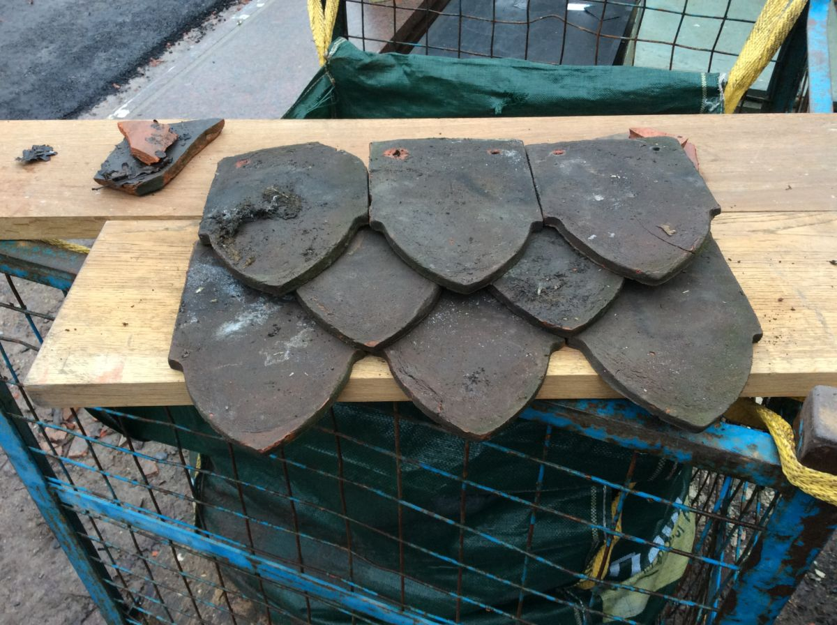 Reclaimed Dark Shield Clay Tile