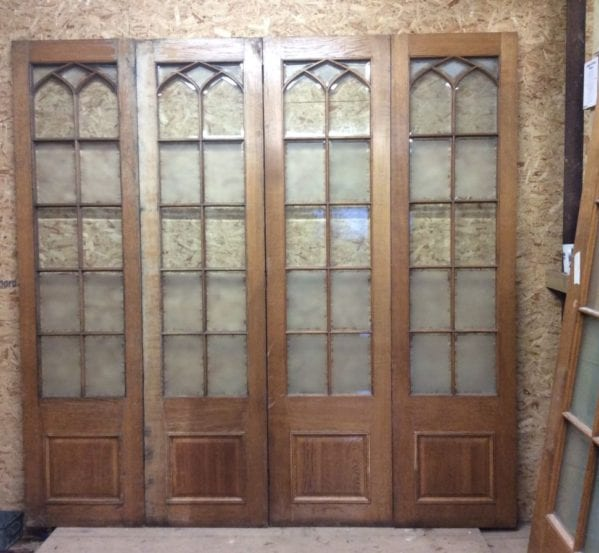 Wentworth Golf Club Half Glazed Oak Room Dividers