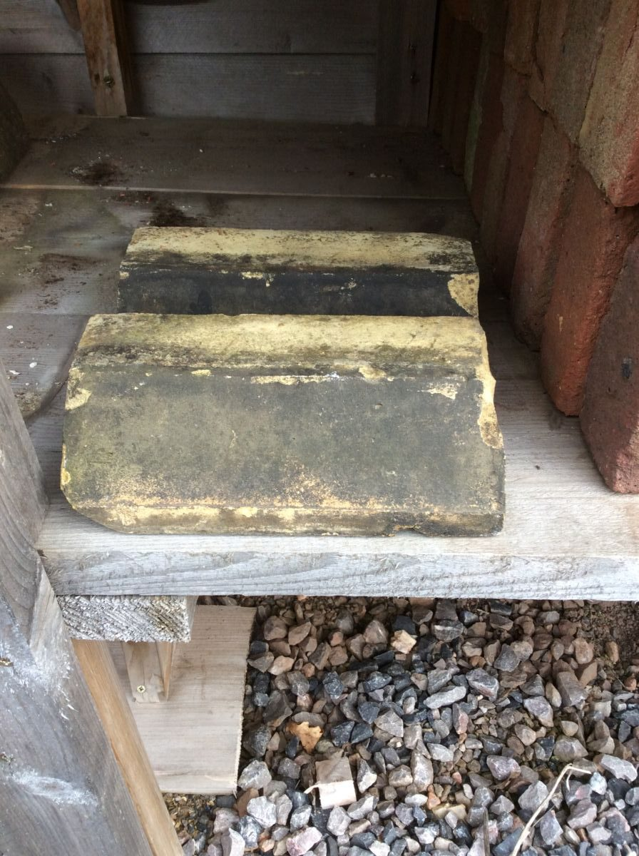 Reclaimed Weathered Yellow Plinth Bricks