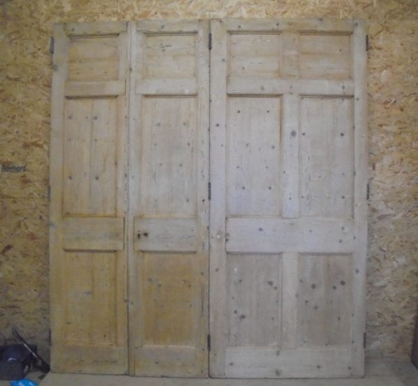 Stripped Tri-folding 6 Panel Doors