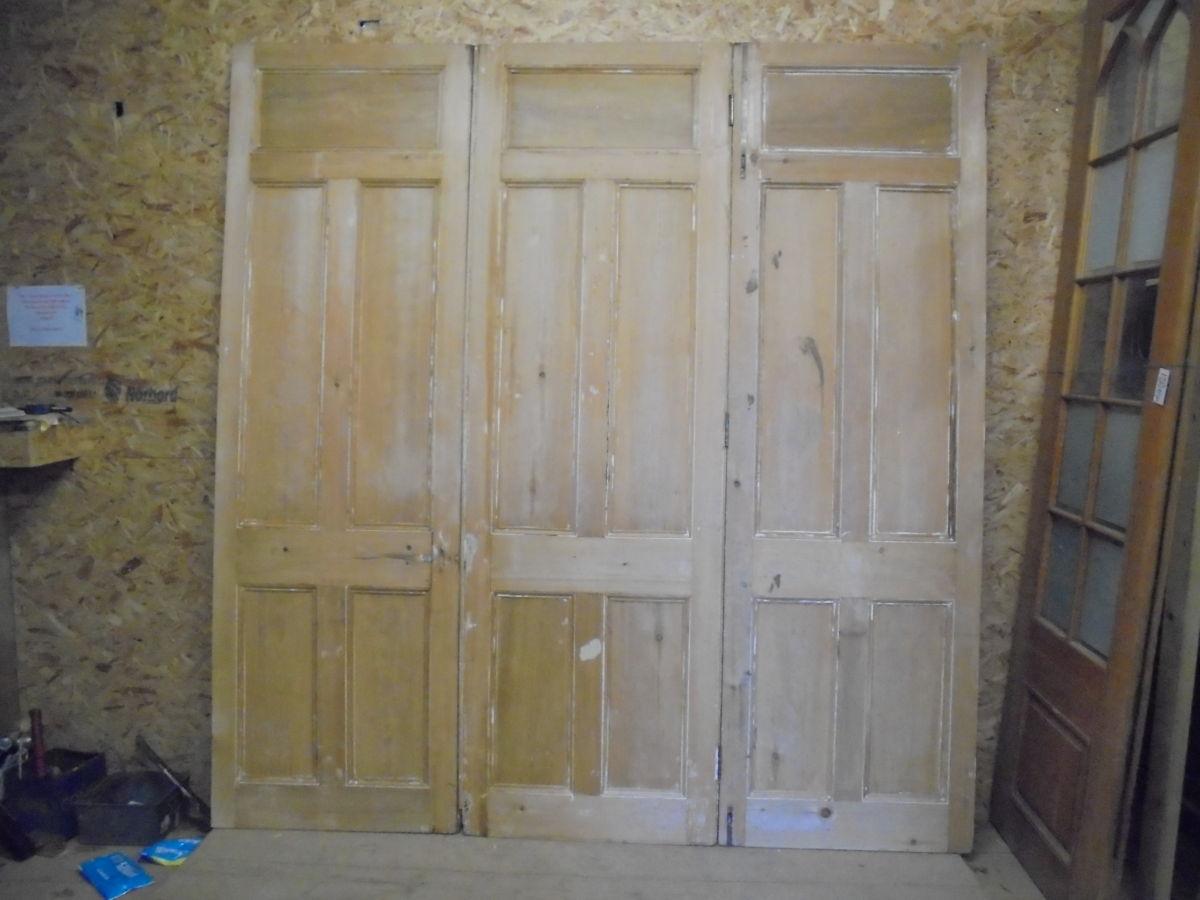 Premium Stripped 5 Panelled Tri-Fold Doors