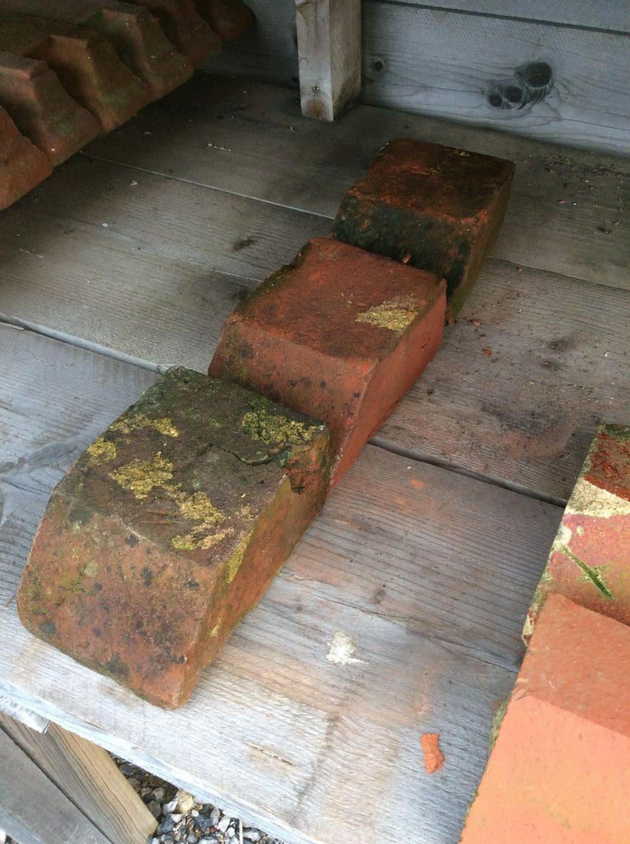 Small Reclaimed Plinth Bricks
