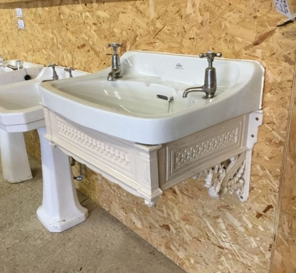 Large Royal Doulton Sink & Brackets
