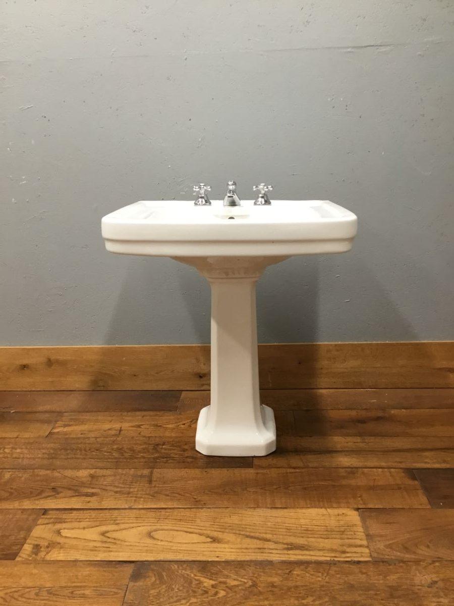 Large Rectangular Sink & Pedestal