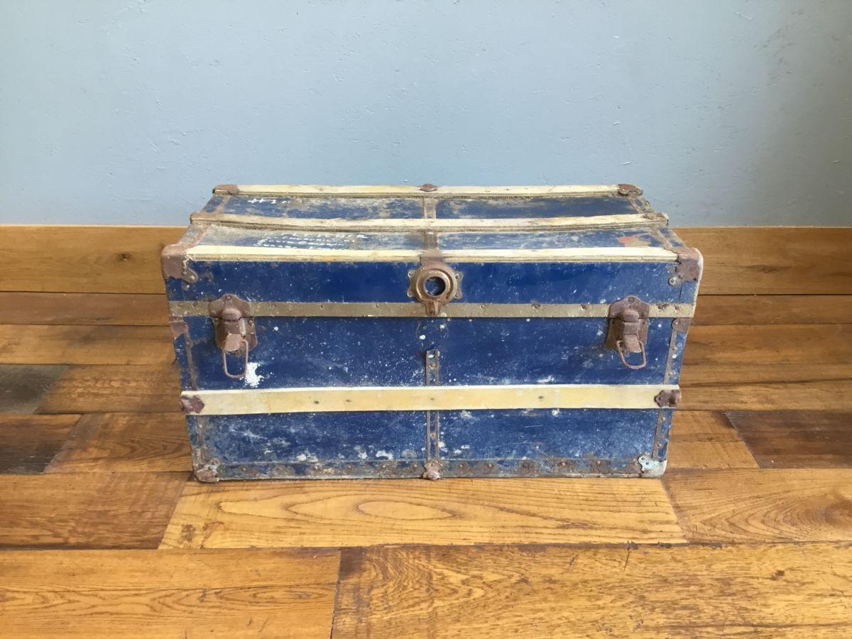 Blue Wooden Detail Trunk