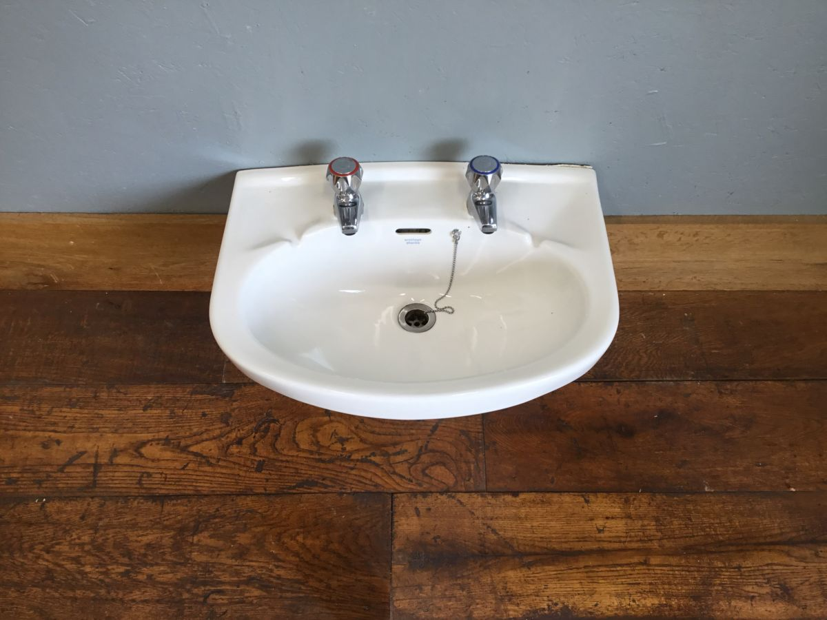 Armitage Shanks Rounded Sink