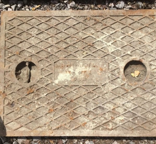 Single Handled Cast Iron Man Hole Cover