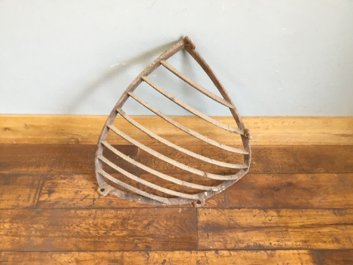 Corner Hay Rack Cast Iron