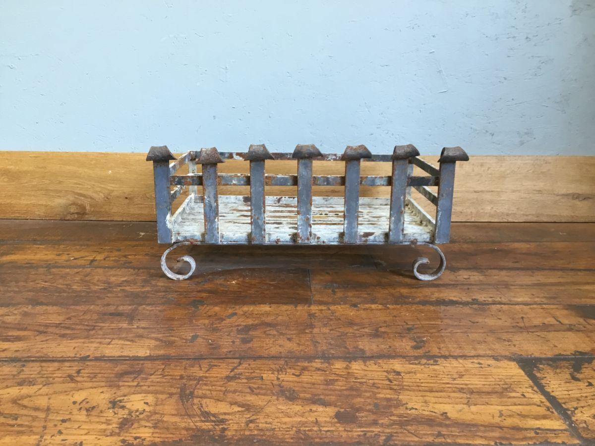 Curled Leg Cast Iron Fire Basket