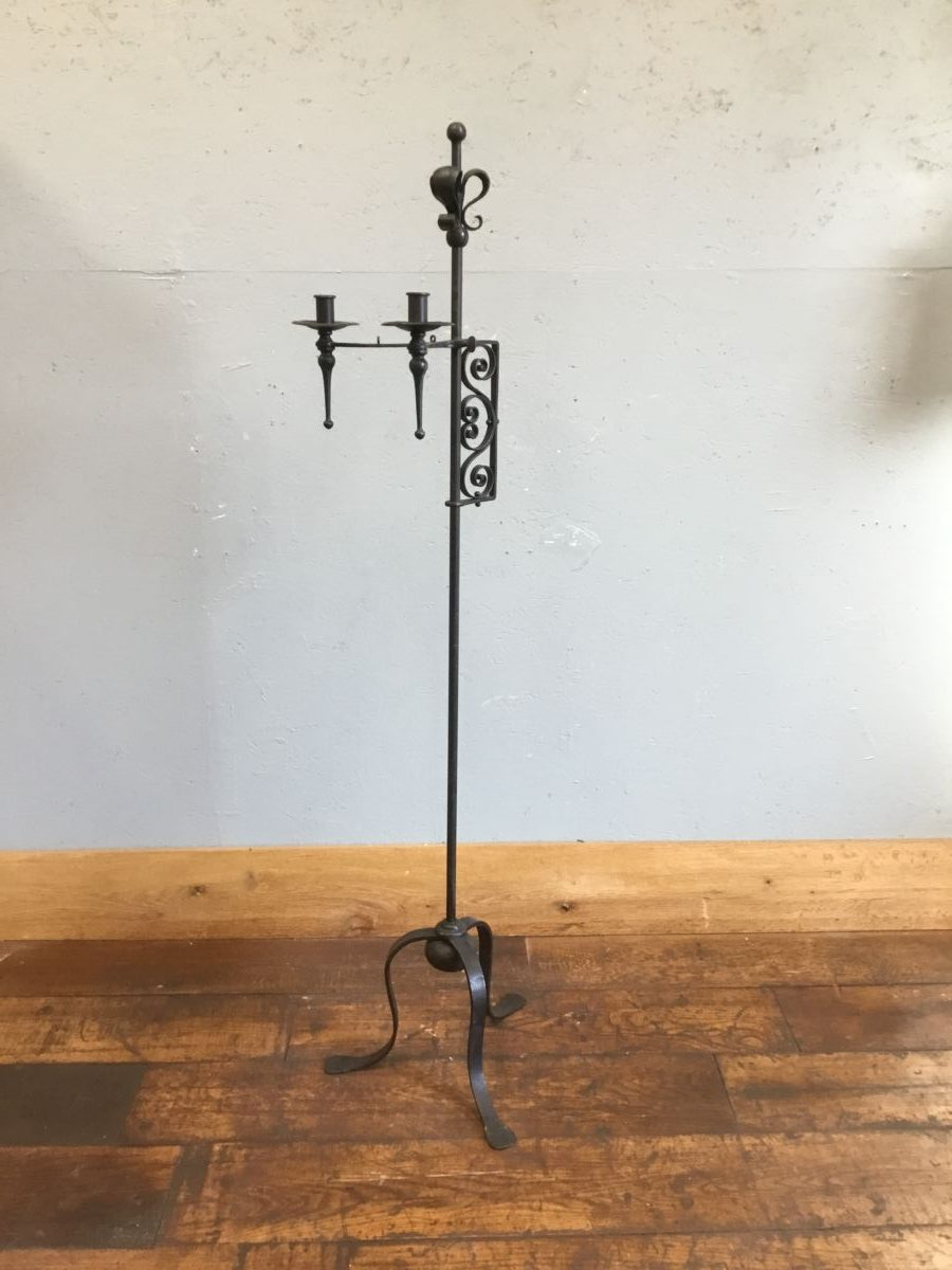 Free-standing Candle Stick Holder