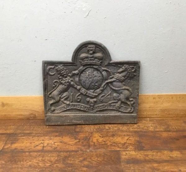1664 Lion Crest Cast Iron Fire Back