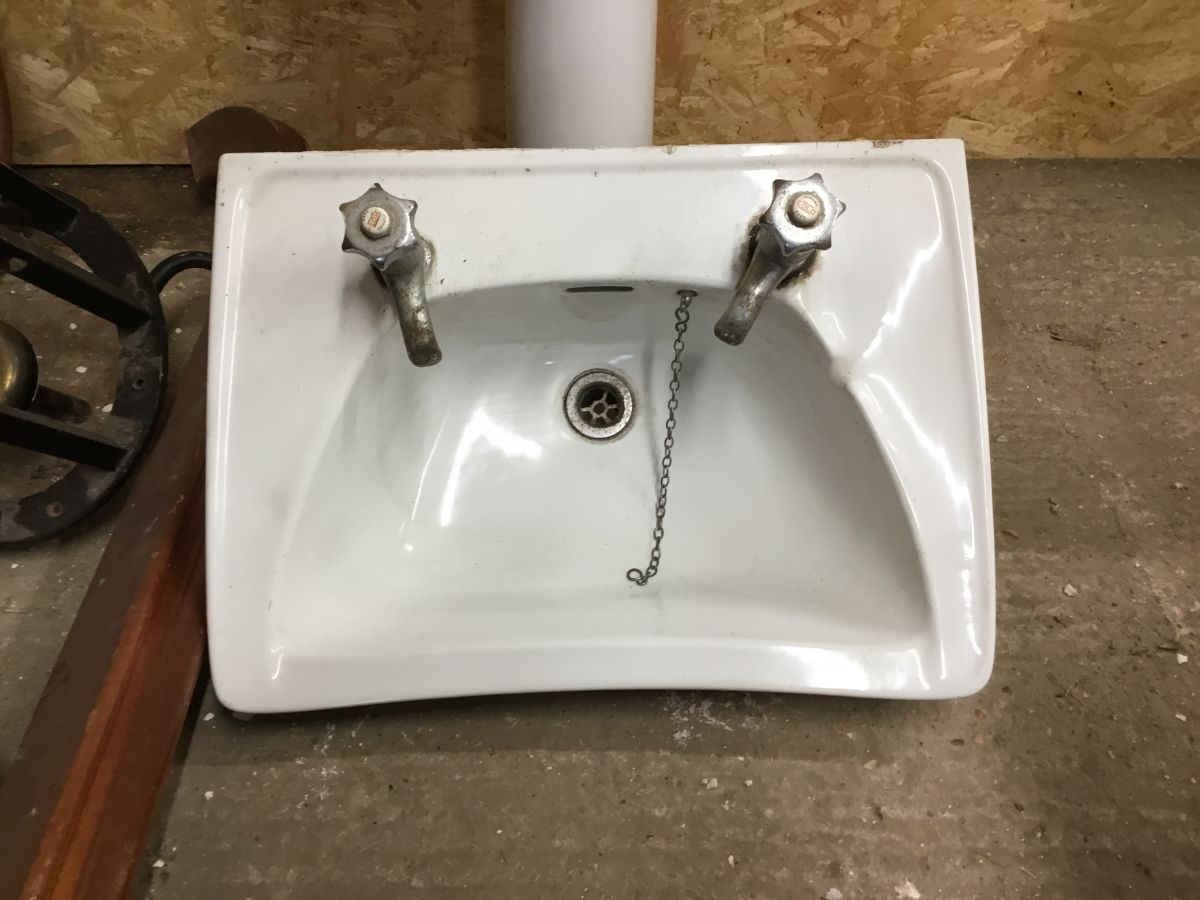 Reclaimed Concaved Sink