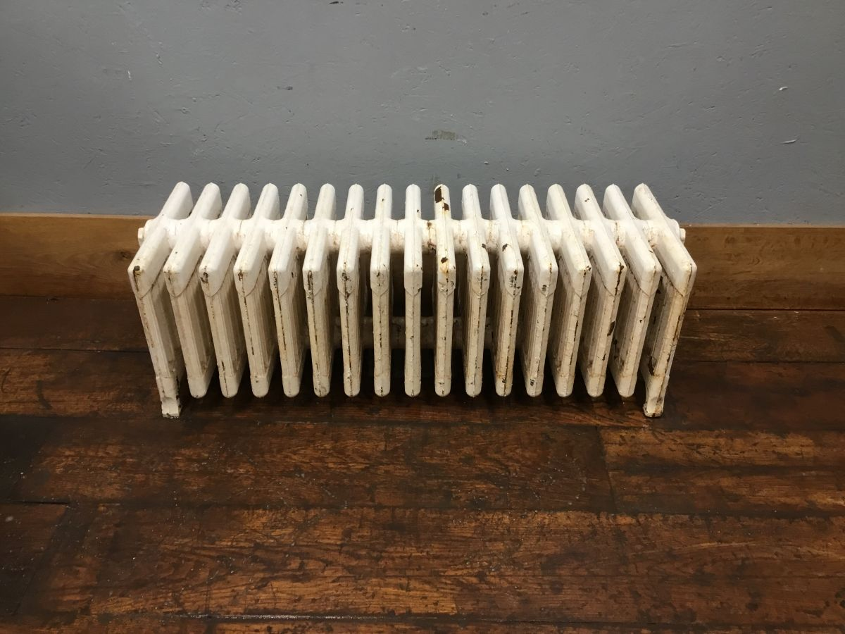 Reclaimed 9 Bar Painted Radiator