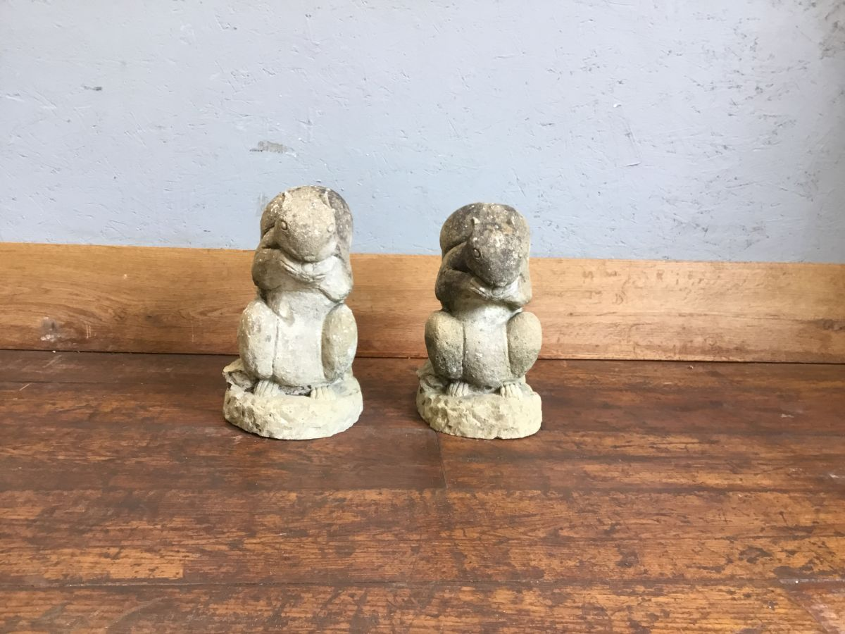 Reclaimed Squirrel Pair Statue