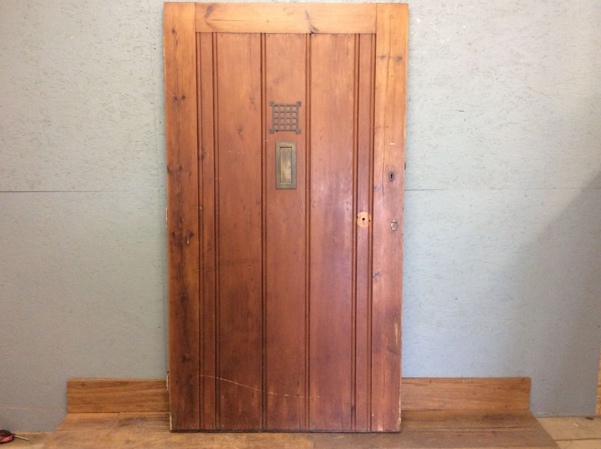 Mini Castle Pine Door