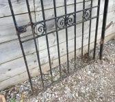 Single Black Gate Twist Detail