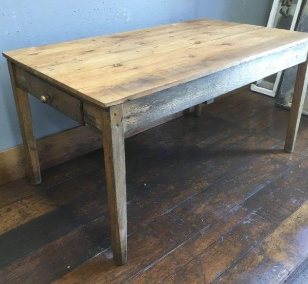 Pine Dinner Table