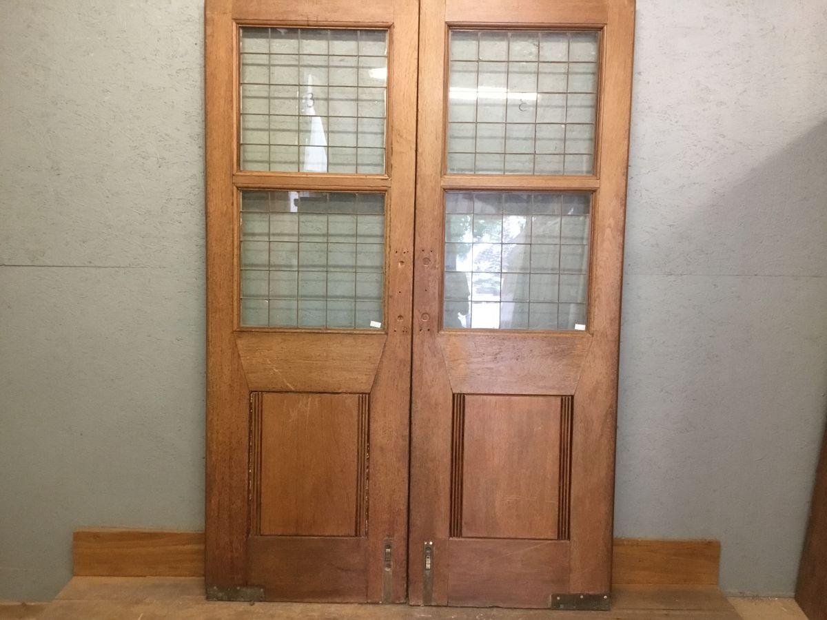 Knightsbridge Double Oak Doors