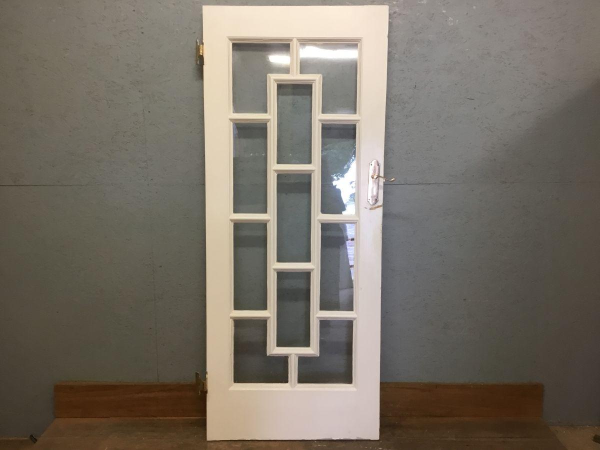 V Nice White Decorative Door