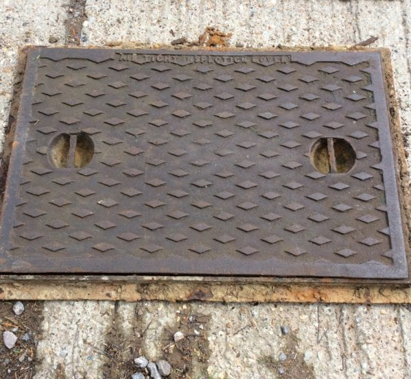 XL Man Hole Cover Inc Frame