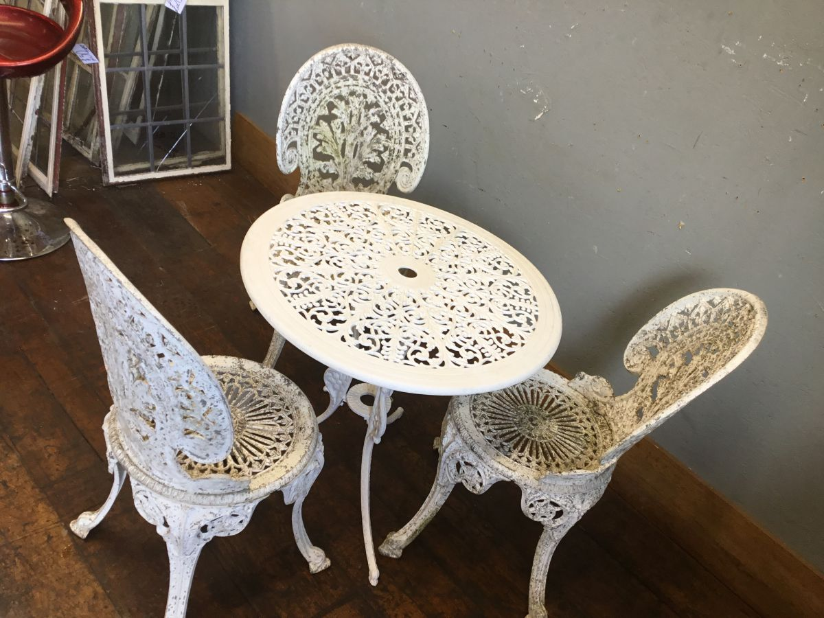 White Metal Decorative Garden Table And Chairs Authentic